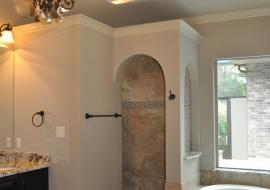 24 Master Bath Tub and Shower