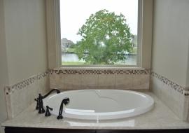 32- Master Tub