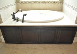 33 - Master Tub Panels